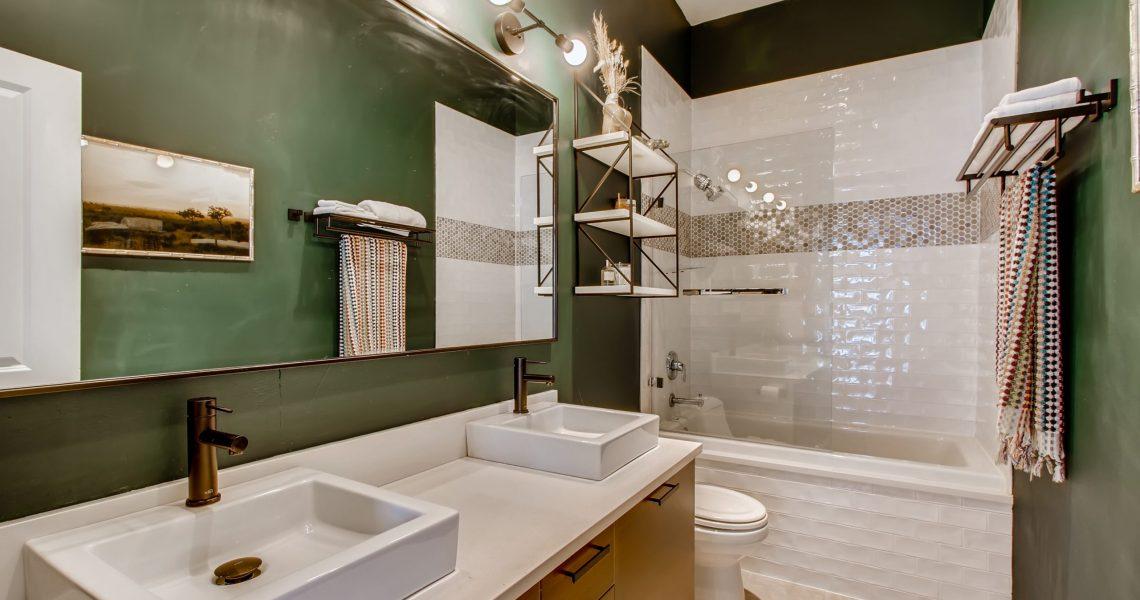 3744 W George St Unit D-print-021-019-2nd Floor Primary Bathroom-3600x2398-300dpi
