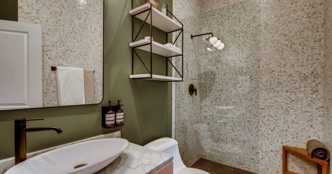 3744 W George St Unit D-print-026-021-2nd Floor Bathroom-3600x2397-300dpi